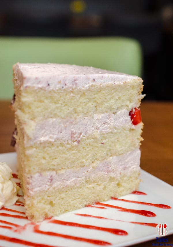 Mesclun Bistro Serendra Strawberry Short Cake 01