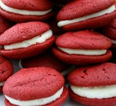 red velvet whoopie-pies