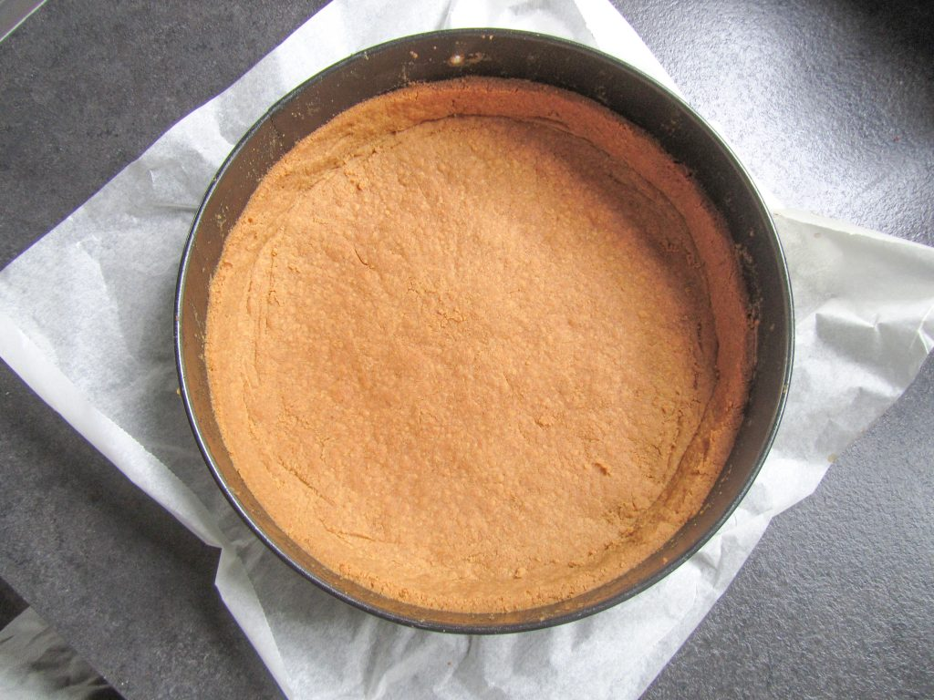 Prepared cheesecake, pie crust