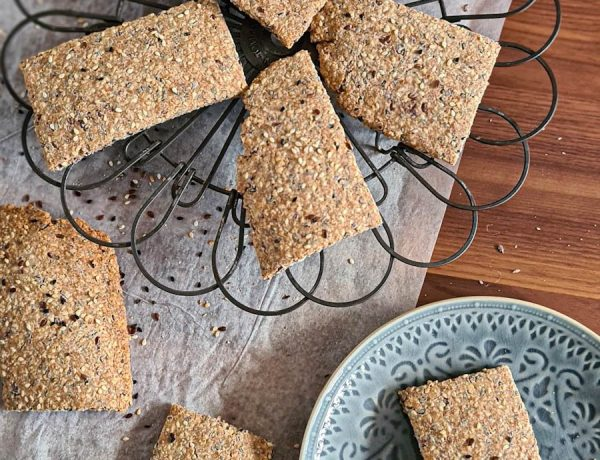 Easy multigrain seed crackers