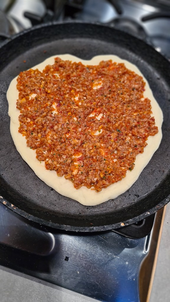 Lahmacun recipe Turkish pizza