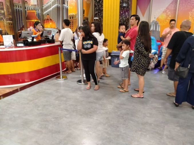 People claiming prices at arcade at trans studio mall