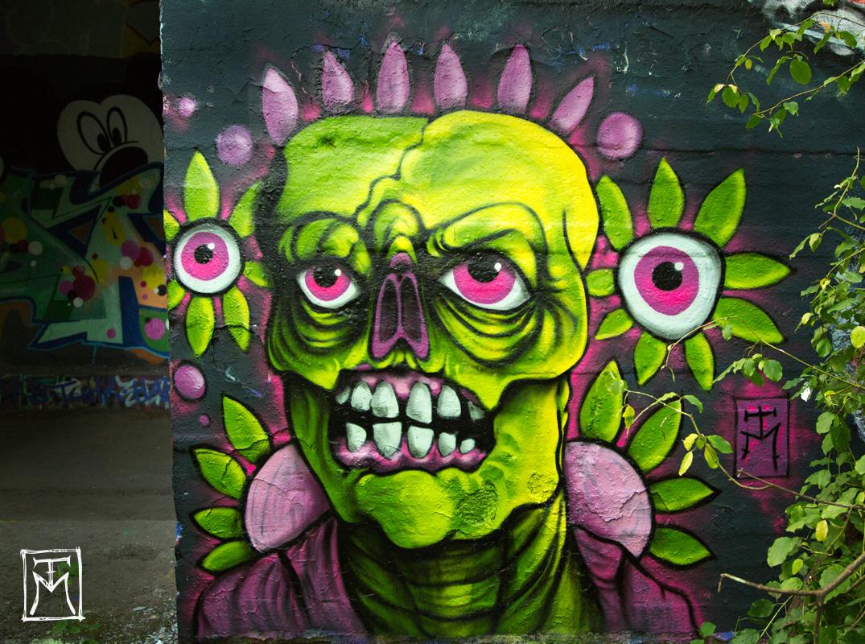 Neon Zombie - TM Street Art