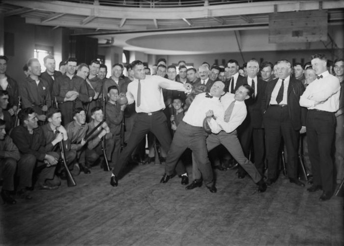 Jack_Dempsey,_Harry_Houdini_and_Benny_Leonard2