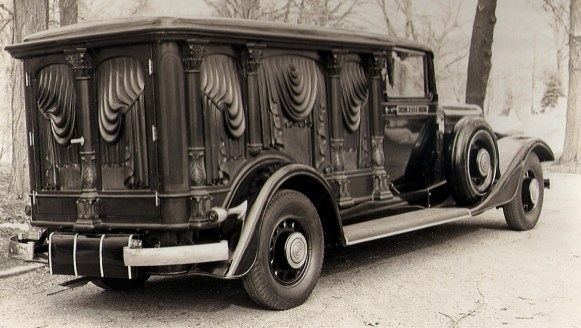 1934 S&S Olympian Hearse Where is it_ neon3all _ Flickr(1)