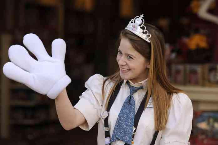 cast member mickey hand