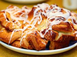 Chip's Sticky Bun Bake