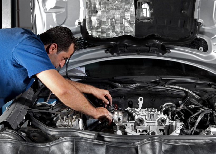 Car Mechanic Repairs All Model Of Cars Talk Geo Lifestyle Tips And Tricks