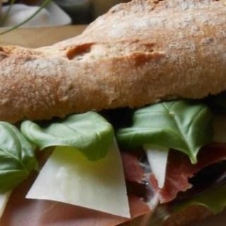 Broodje Parmaham en Manchego