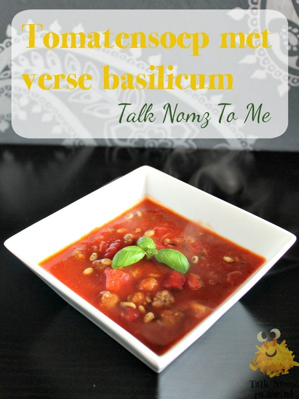 Tomatensoep met verse Basilicum