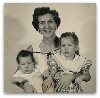 vintage photo of Mom, Me and Linda