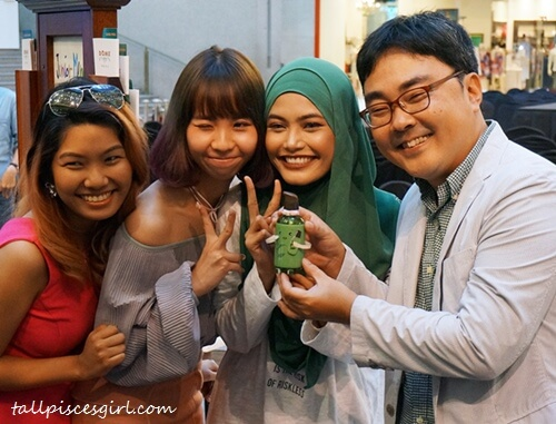 Shivani Balraj, Chanwon Tan, Nisa Kay brings The Green Tea Seed Serum for a Malaysian experience. innisfree Malaysia Brand Manager, Johnny Nam is so grateful for that :)