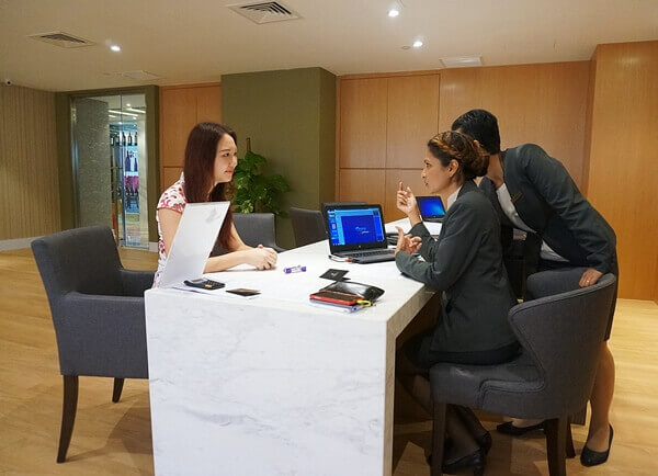 Personalized check-in at Business Centre, Level 23 for Pearl Premier Guests