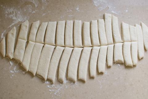 לחמניות שום מנצ'גו לאחר חיתוך
