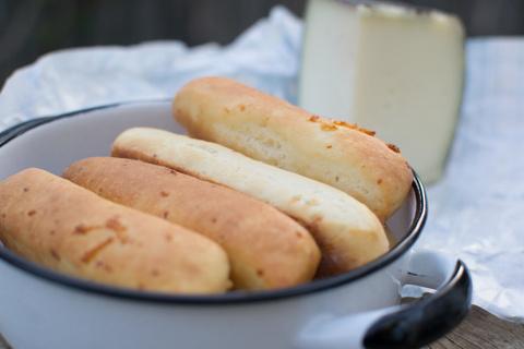 לחמניות שום עם גבינת מנצ'גו