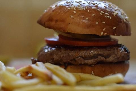 המבורגר מושלם שאפשר להכין בבית