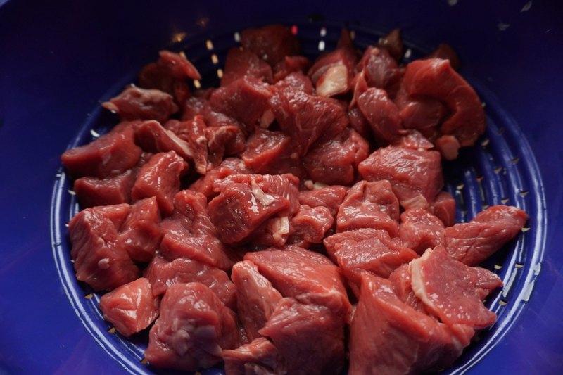 קוביות בשר לגולאש
