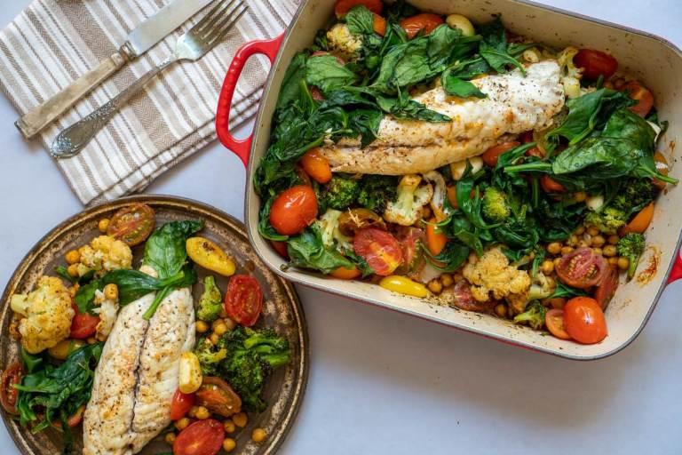 פילה דניס עם ירקות צלויים בתנור