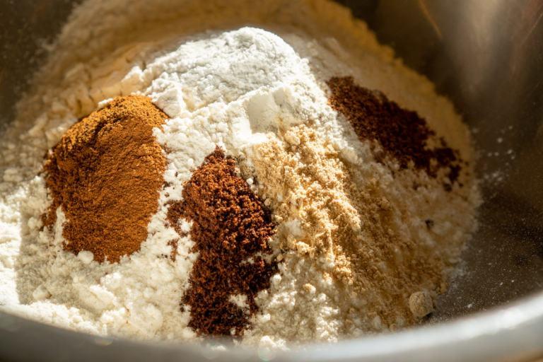 הכנת קמח מתובל