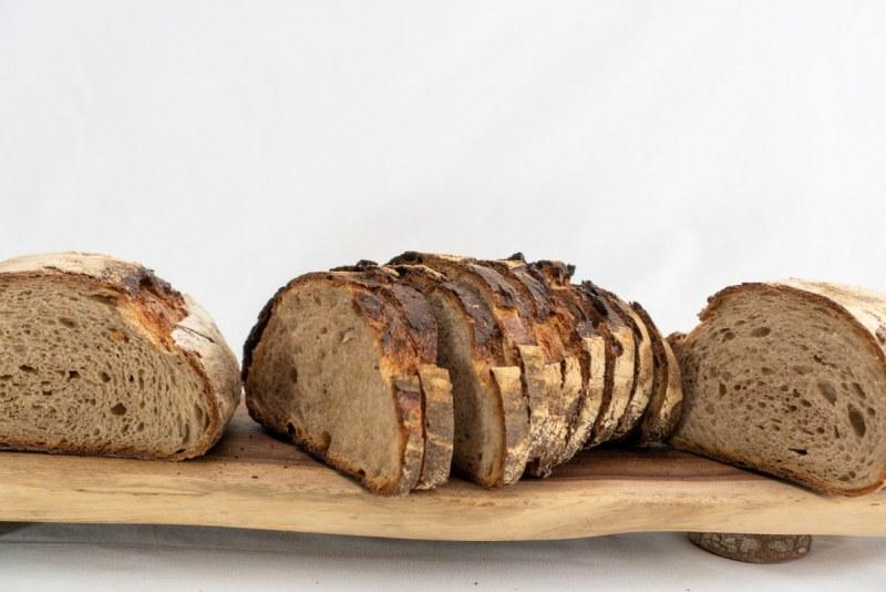 לחם מחמצת פרוס