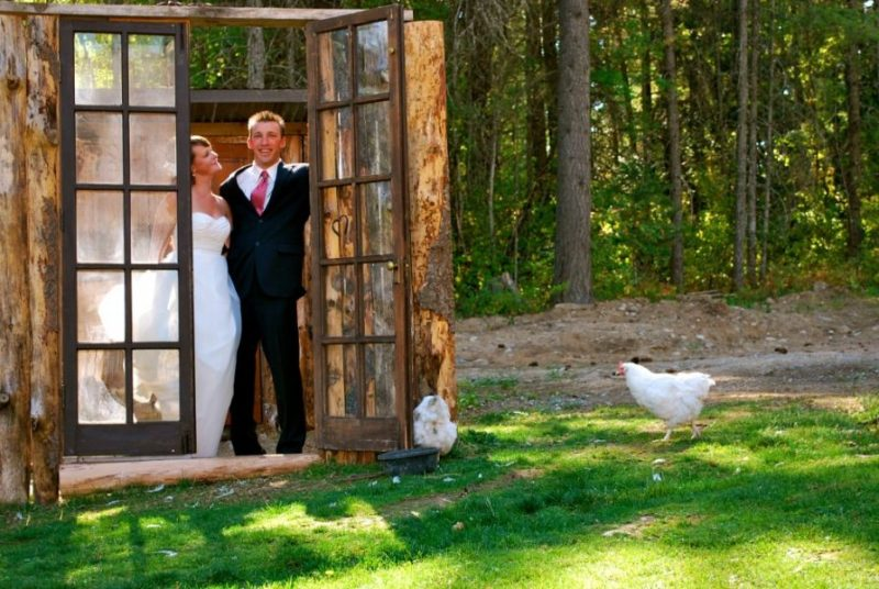 Wedding-Bride-and-Groom-in-Chicken-Coupe-Color-1024x687
