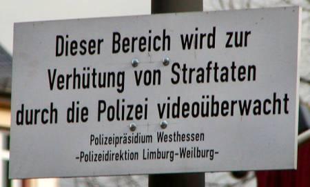 Dieser Bereich wird zur Verhütung von Straftaten durch die Polizei videoüberwacht