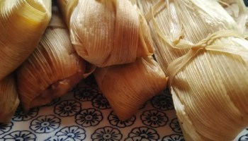 12 pack Mexican tamales verdes (chicken in green tomatillo sauce)