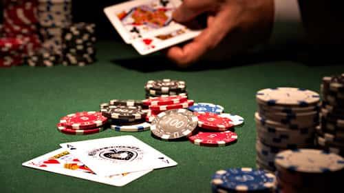 オンラインカジノのブラックジャックに若干癖がある