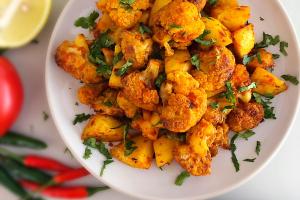 Cauliflower and Potato (Aloo Gobi)