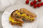 Quick and Easy Indian style sandwich made with an omelette
