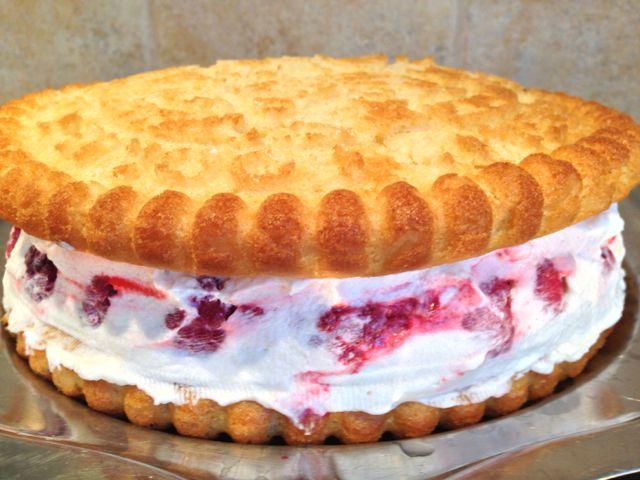 Gâteau moelleux framboises coco