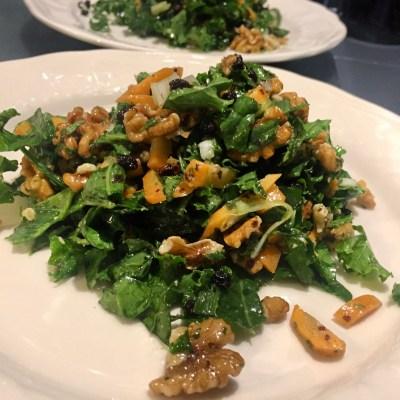 salade-de-chou-kale-aux-raisins-et-noix-1
