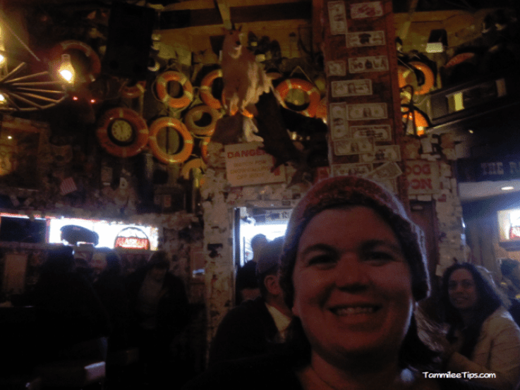 Golden-Princess-Juneau-Red-Dog-Saloon-Inside.png