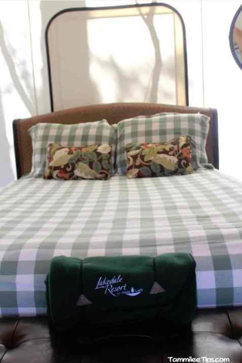 Lakedale Resorts Glamping Tent 3