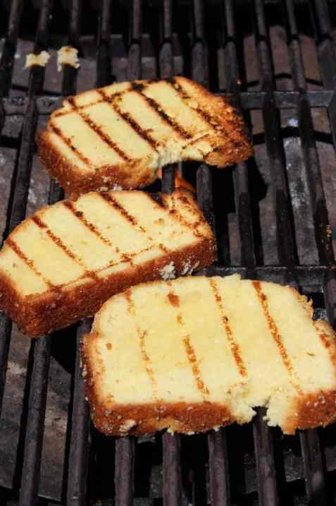 grilled poundcake on the barbecue