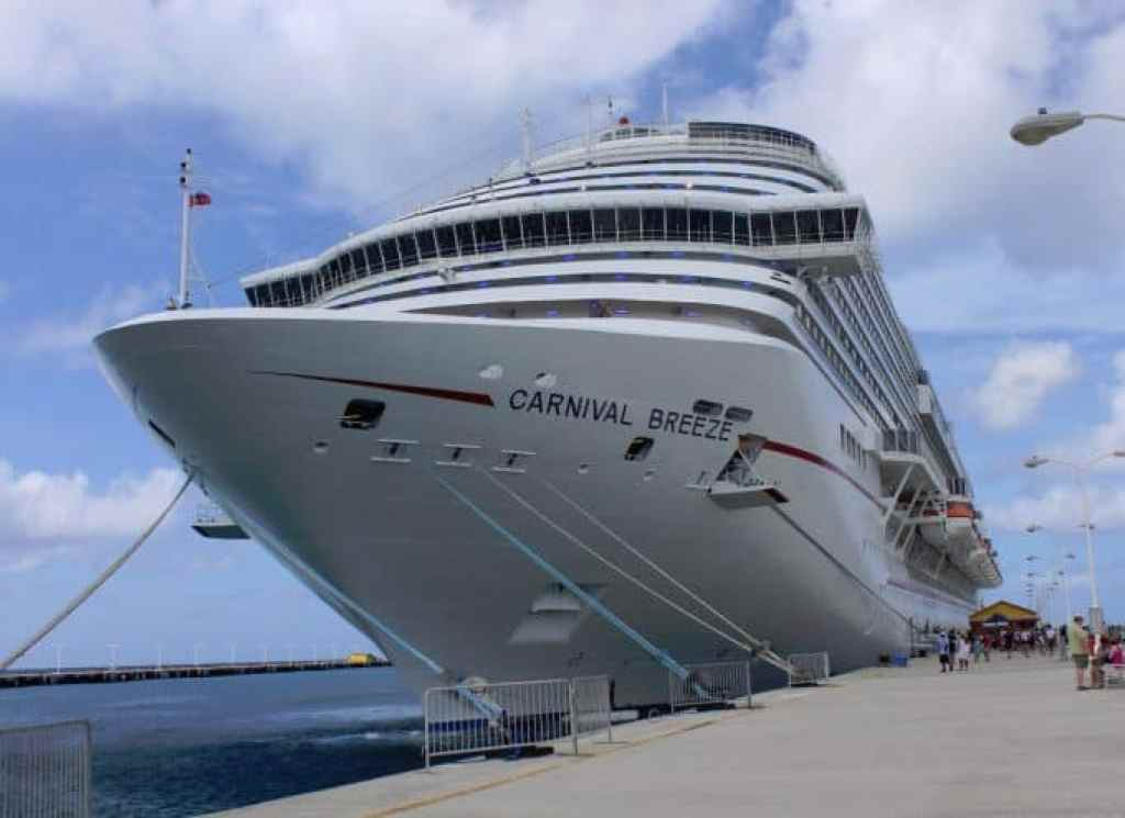 St Maarten Carnival Breeze Docked