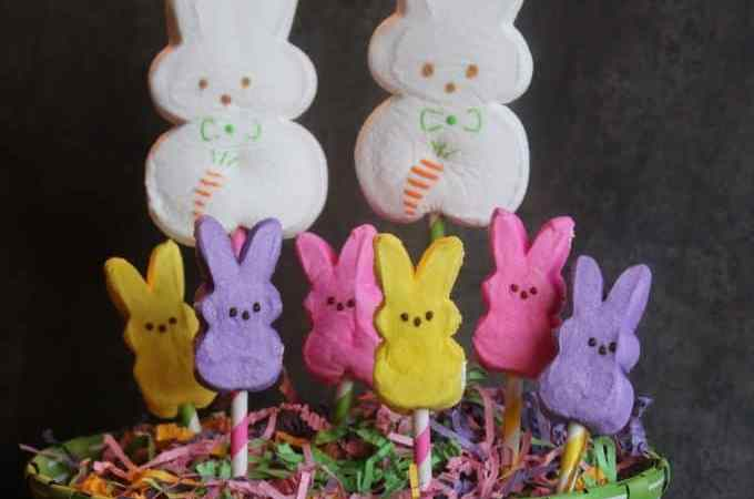Super Cute and Easy Peeps Easter Centerpiece