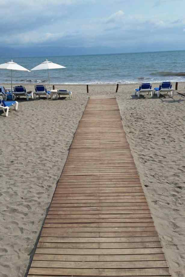 walkway to ocean casamagna