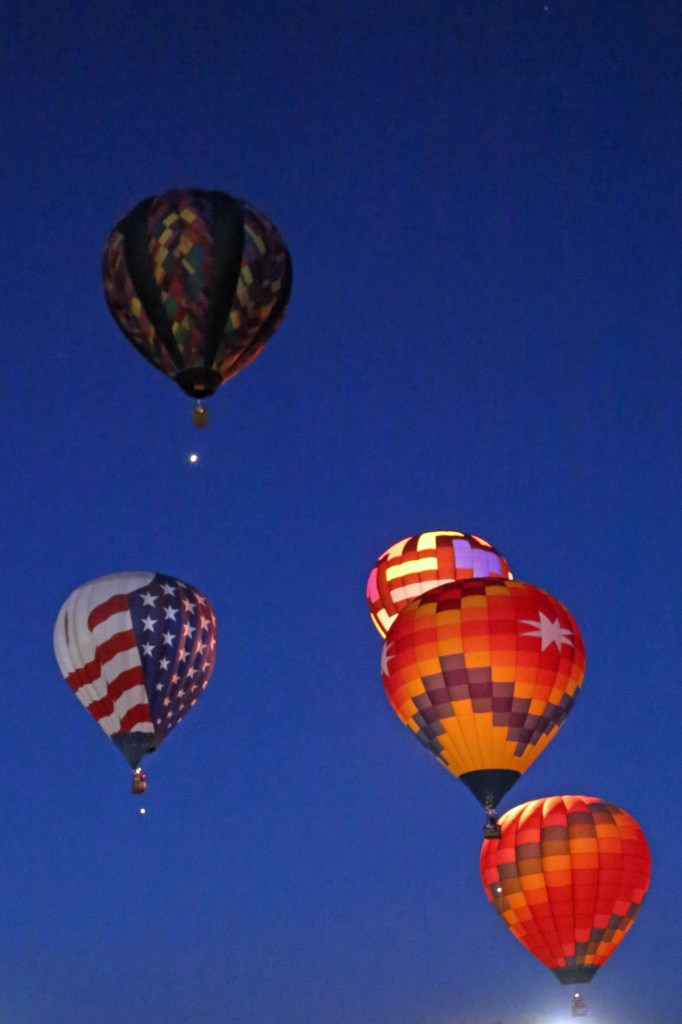Dawn Patrol liftoff Reno Hot Air Baloon Race