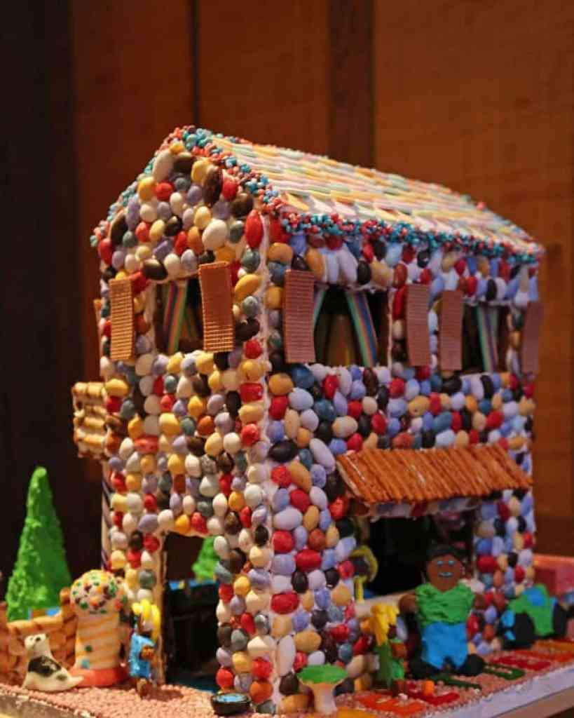 Blog fun gingerbread house