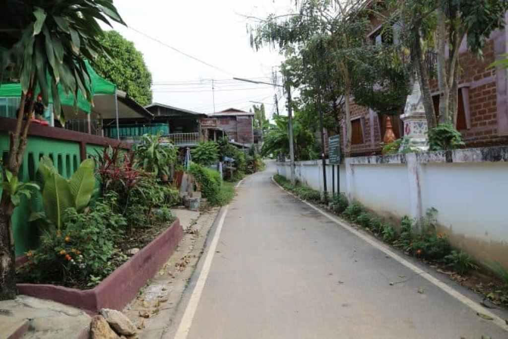 Chaing Khan Thailand side street