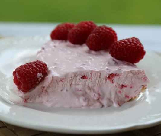 Easy Raspberry No Bake Pie Recipe