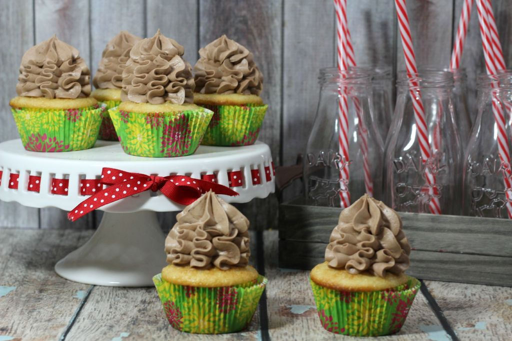 Banana Cupcake with Chocolate Frosting Recipe