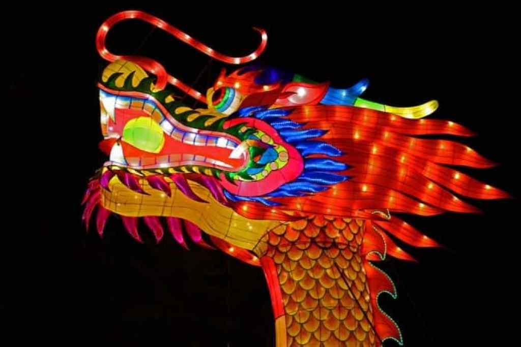 Dragon-Head-and-Chinese-Lantern-Festival-Spokane.jpg