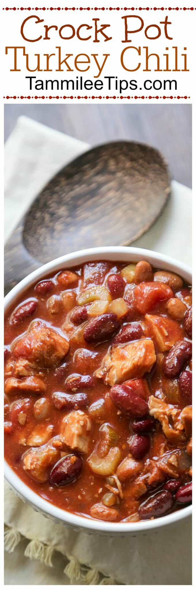 Easy Healthy Slow Cooker CrockPot Turkey Chili Recipe the family will love. This crock pot recipe is great for leftovers, winter comfort food,  and so easy to make!