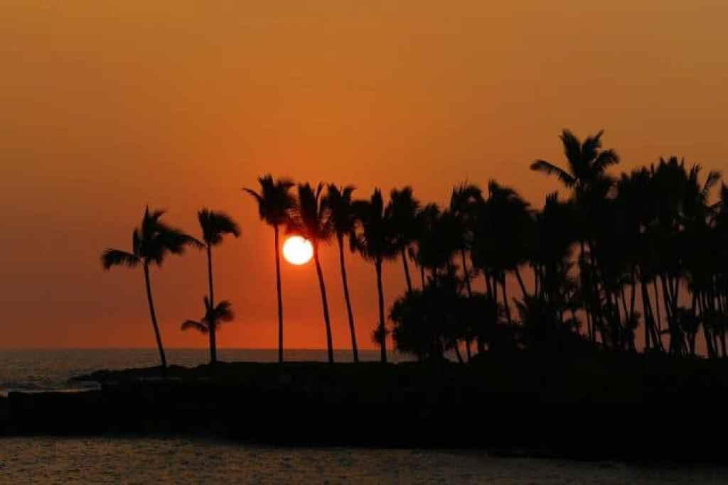 beautiful-sunset-as-you-take-off-on-Blue-Sea-Cruise.jpg