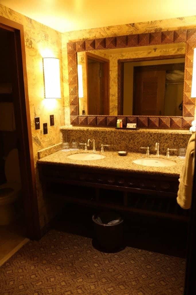 Animal Kingdom Lodge Bathroom