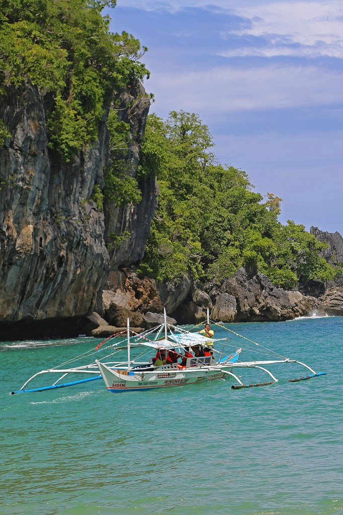 philipines-underground-cave-tour-by-boat