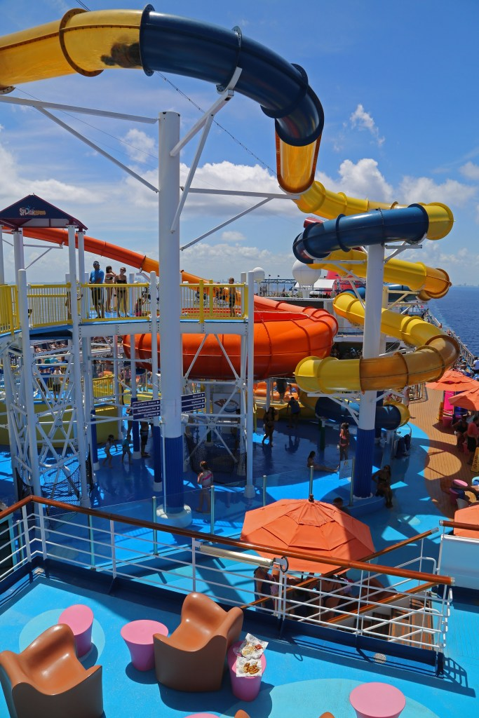 waterslides-on-carnival-magic