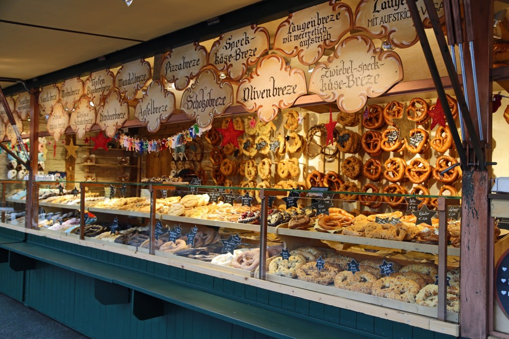 pretzel-stand-salzburg-austria-christmas-market